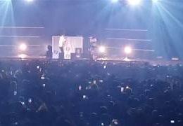 KALASH CRIMINEL – Un jour de plus ft. VALD (English lyrics) LIVE