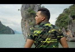SOUFIANE EDDYANI – Een Dief Als Broers (English lyrics)