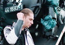 YUNG FELIX – Loco ft. POKE, DOPEBWOY (English lyrics)